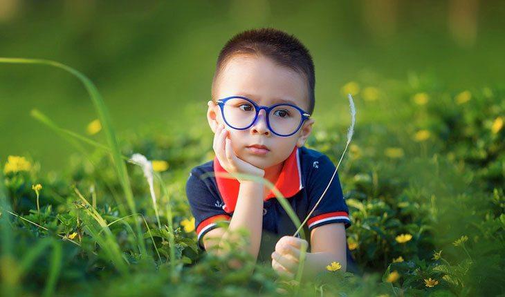 menino-de-oculos-1