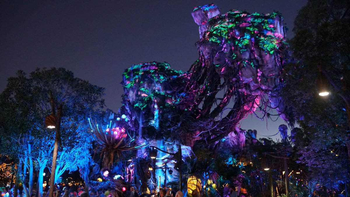 nighttime_landscape_in_pandora_e28093_the_world_of_avatar
